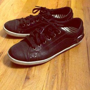 "TAOS ""Capitol"" Black Leather Sneaker"